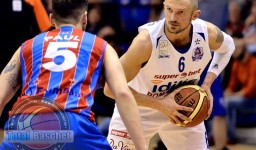 Levente Szijarto in duel cu Mihai Paul (Steaua Bucuresti)