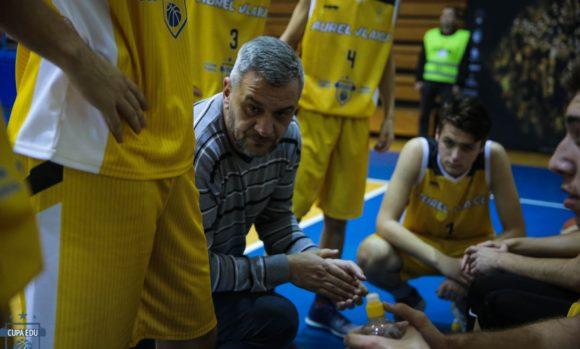 Antrenorul Radu Dinu Colegiul National Aurel Vlaicu